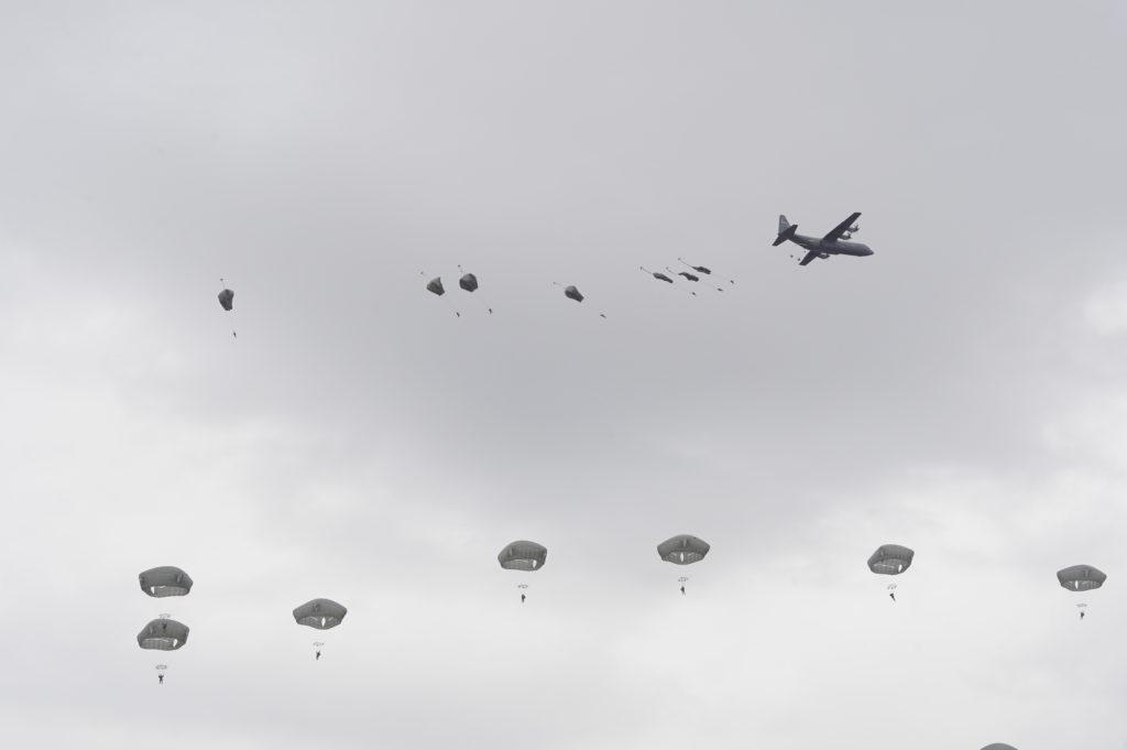 C-130J-30空挺投下