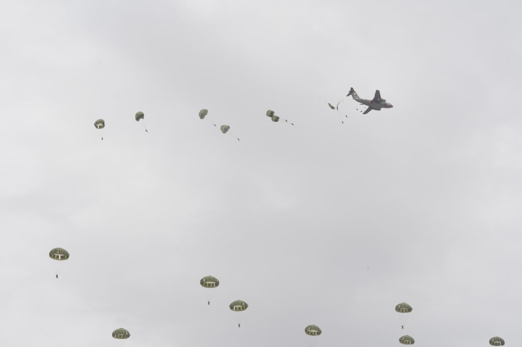 C-1空挺投下